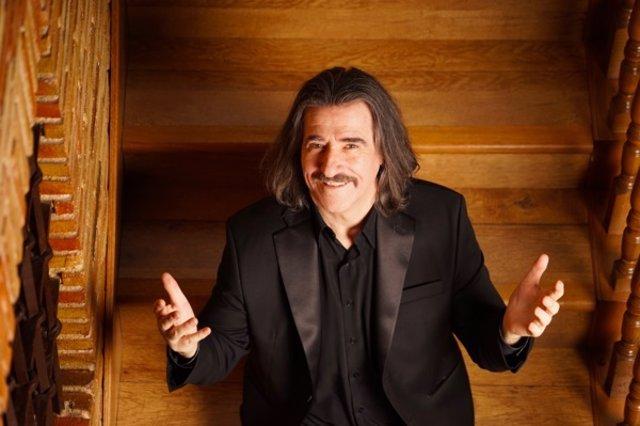 Luis Cobos presenta el seu àlbum 'Va per Mèxic!' amb un concert benèfic en el Teatre Real de Madrid el 10 de maig