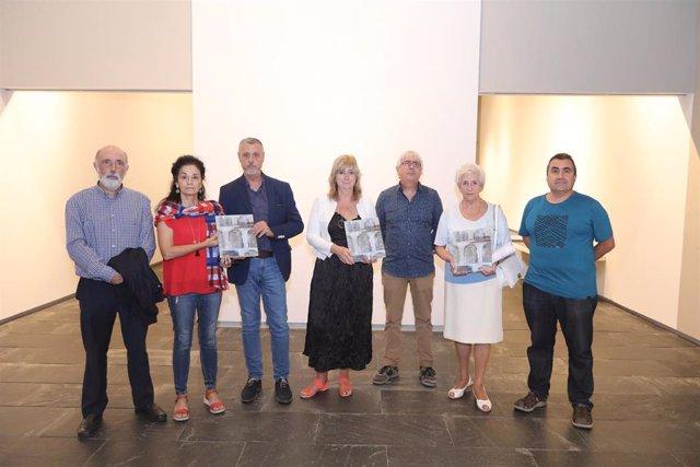 La consejera de Relaciones Ciudadanas, Ana Ollo, en la presentación del libro 'Lur Azpian - Bajo Tierra. Exhumaciones en Navarra, 1939-2019'