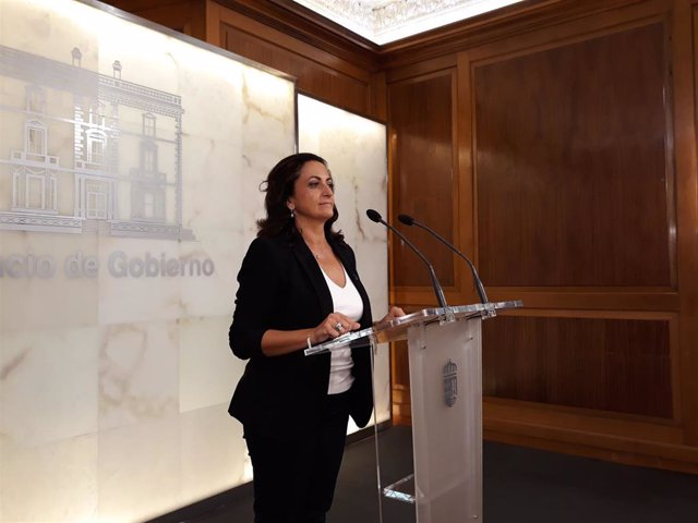 La presidenta del Gobierno de La Rioja, Concha Andreu, anuncia su equipo