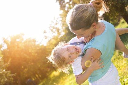 Ser feliz en la niñez reduce el riesgo de problemas mentales en el futuro