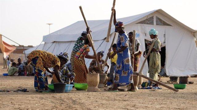 Mujeres desplazadas en Malí
