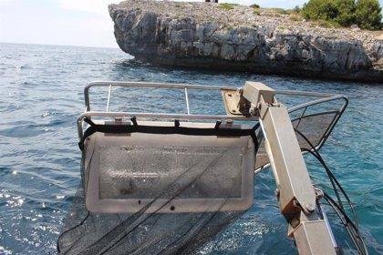 El servicio de limpieza del litoral recoge más de 13 toneladas de residuos en agosto