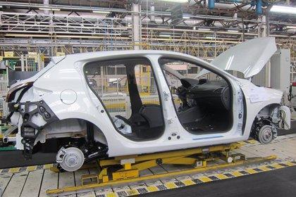 Renault anuncia a los sindicatos la supresión de turnos en sus tres factorías de España