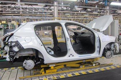Renault anuncia a los sindicatos la supresión de turnos en sus tres factorías de España por la bajada de actividad