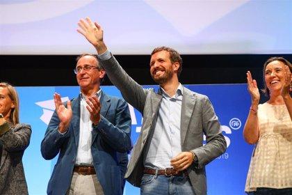 Casado respalda la apuesta del PP vasco por la foralidad e insiste en su propuesta de una gran coalición de derechas