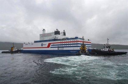Llega a su destino en el Ártico la primera central nuclear flotante rusa