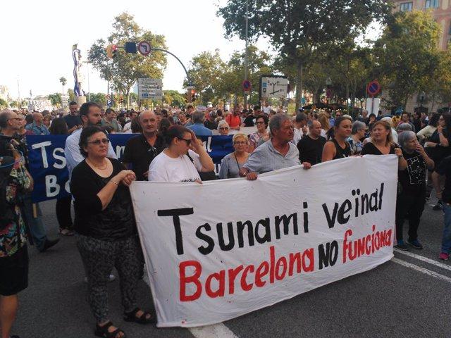 Manifestació de Tsunami Veïnal