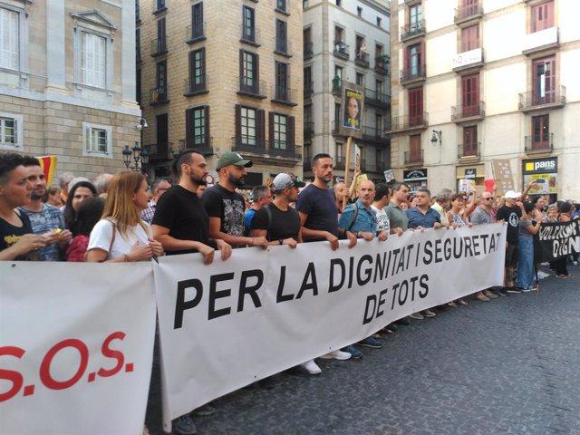 """La manifestació """"per la seguretat i la convivència"""" a Barcelona convocada per Tsunami Veïnal"""