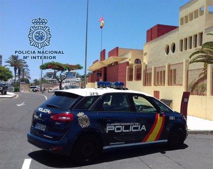Detenido un hombre por asaltar y golpear en la cabeza a un joven en Lanzarote para robarle el móvil