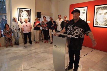 """El músico Gene García reivindica """"la génesis del flamenco como gitana"""" en una exposición en Badajoz"""