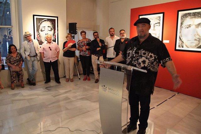 Gene García, en la inauguración de la exposición