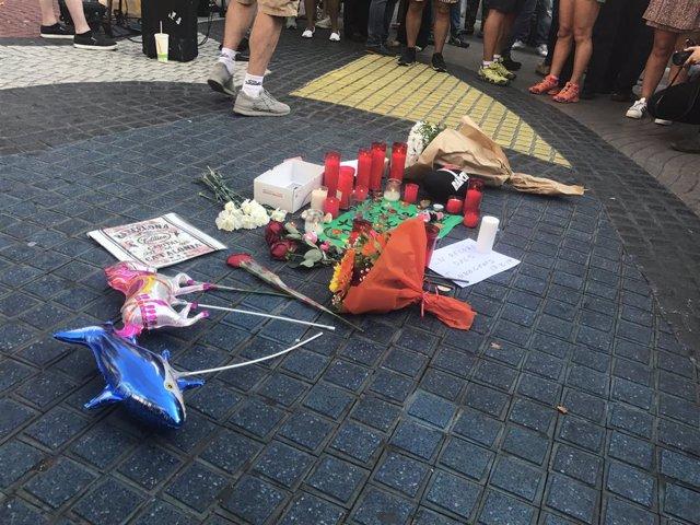 Homenatge a víctimes de l'atemptat de Barcelona
