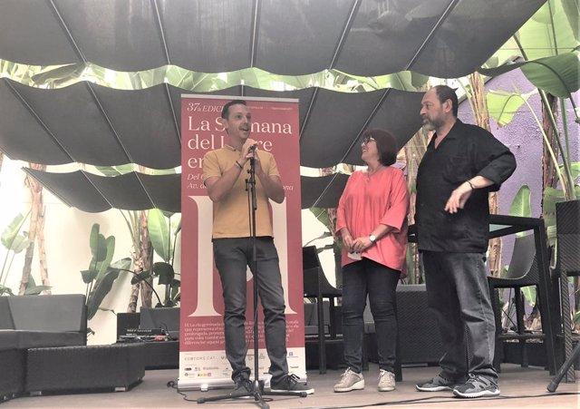 Joan Carles Girbés (Llaura Llibres), Montse Ayats (Associació d'Editors en Llengua Catalana), Joan Sala (editor de Comanegra): 37 Setmana del Llibre en Català