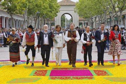 Unas 15.000 personas participan en la ofrenda floral a la Virgen de Los Llanos en Albacete
