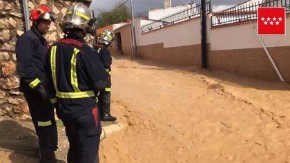 Bomberos de la Comunidad realizan alrededor de 100 intervenciones por las lluvias desde las 14 horas