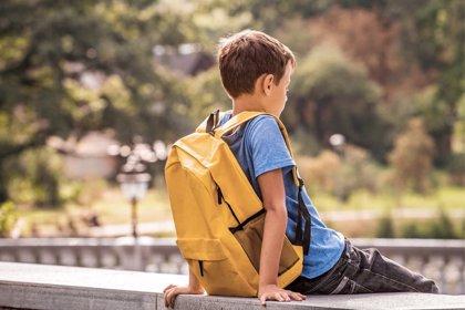 El peso de la mochila y el sedentarismo, enemigos a evitar en esta vuelta al cole