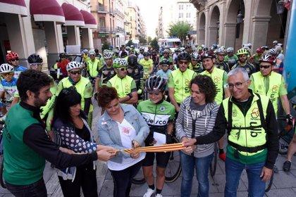 Cien ciclistas marchan por la seguridad vial como antesala de la Semana de la Movilidad en Huesca