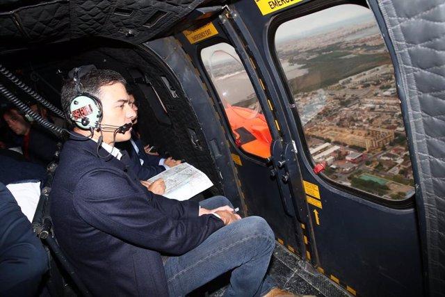 Pedro Sánchez visita Orihuela desde un helicóptero