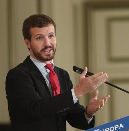 El PP protagoniza un desayuno informativo de la tribuna Fórum Europa
