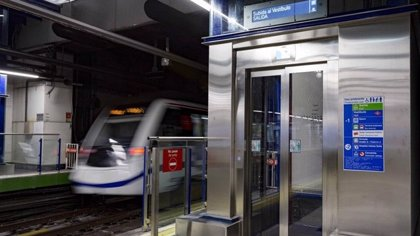 El PSOE plantea la vuelta al accionariado de Metro y Carabante defiende la salida de 2011