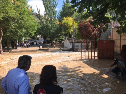"""Ayuso anuncia ayudas para los municipios afectados por las trombas de agua """"históricas"""""""