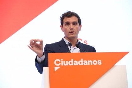 Rivera propone al PP abstenerse junto a Ciudadanos si Sánchez se compromete sobre Navarra, Cataluña y la economía
