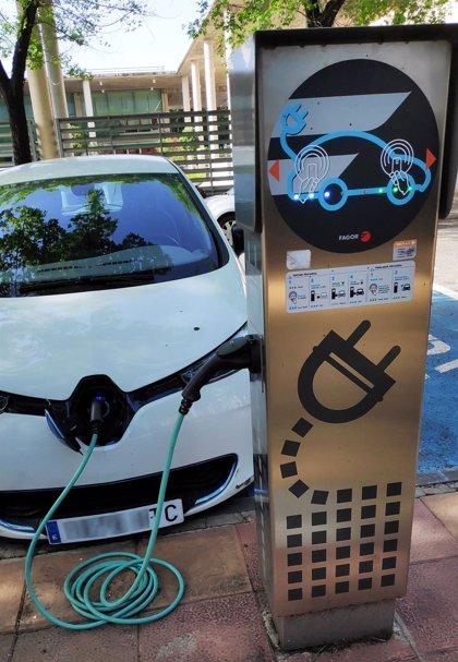 Andalucía concentra el 9,2% del parque de vehículos eléctricos de España con un total de 7.450 unidades