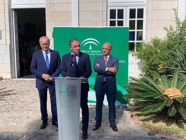 El alcalde de Málaga, Francisco de la Torre; el consejero de Presidencia, Elías Bendodo, y el presidente de la AP, Carlos Rubio.