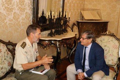 Vicenç Thomàs recibe en audiencia al delegado de Defensa en Baleares