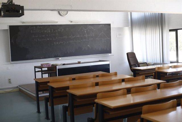 Imagen de un aula de una facultad de la Universidad Complutense de Madrid.