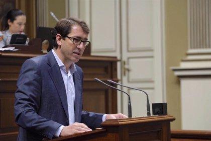 """Lavandera (PSOE) acusa a CC de poner a Canarias en riesgo de ser intervenida por su """"festín de gasto"""""""