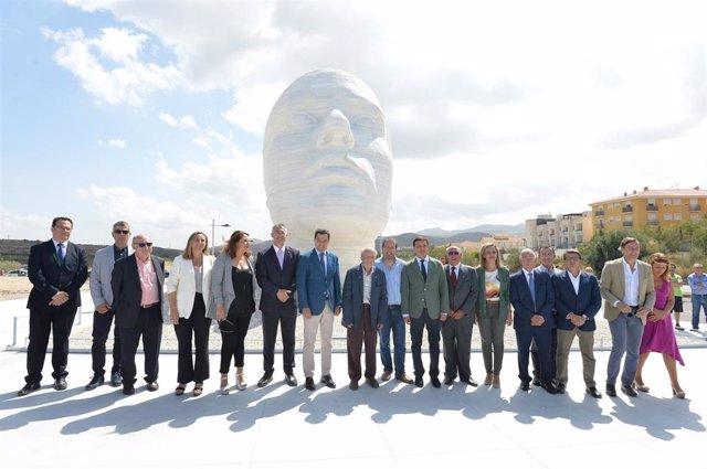 El presidente de la Junta, Juanma Moreno, asiste a la inauguración de la 'Mujer del Almanzora'