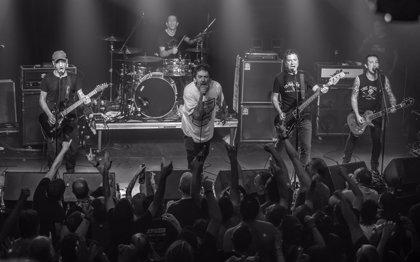 Así fue el concierto sorpresa de La Polla Records en Vitoria