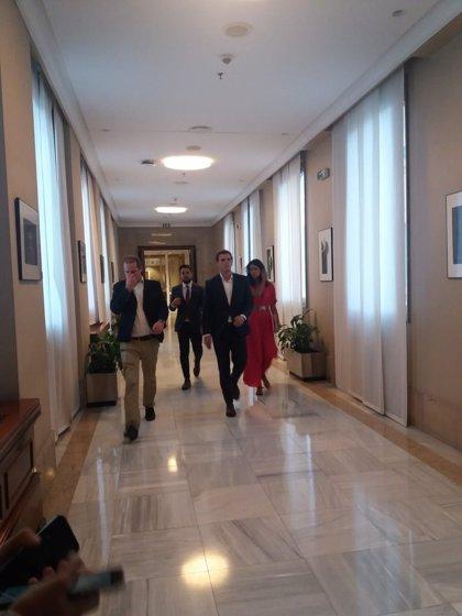 """Rivera dice que la reunión con Casado para el desbloqueo de la investidura de Sánchez ha ido """"muy bien"""""""