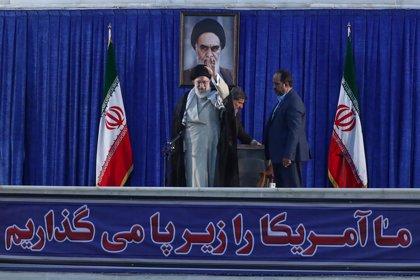 """El líder supremo de Irán advierte a EEUU de que su política de máxima presión """"fracasará"""""""