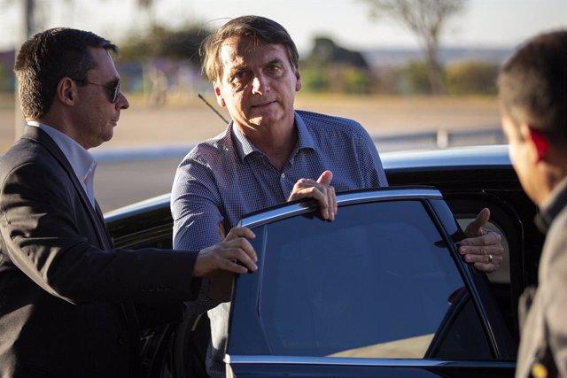 Brasil.- Bolsonaro vuelve al trabajo con la promulgación de la ley que amplía la