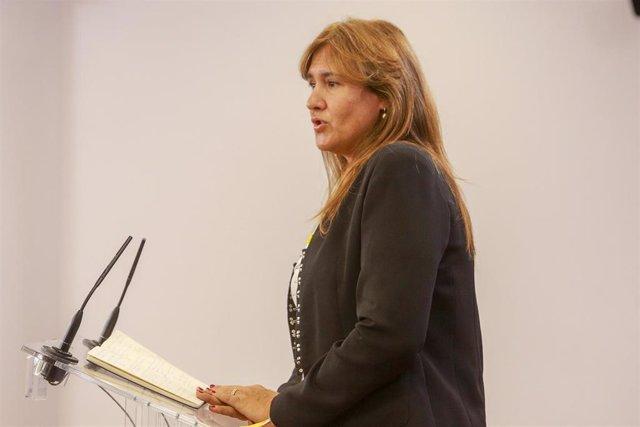 La portavoz de Junts per Cataluña en el Congreso, Laura Borrs, en rueda de prensa tras su reunión con el Rey Felipe VI en el segundo día de la ronda de consultas sobre el candidato a la presidencia del Gobierno, en Madrid (Españ), a 17 de semptiembre d