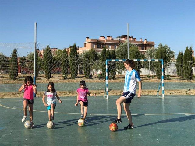 Sevilla contará con la primera escuela de fútbol femenina que une deporte, idiomas y liderazgo