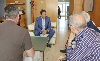 El Gobierno estudiará fórmulas urbanísticas para la ciudad residencial 'Brisa del Cantábrico'