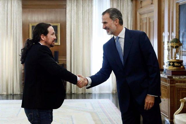 """Iglesias dice que el Rey no quiere otra vez """"meses de inactividad"""" antes de la i"""