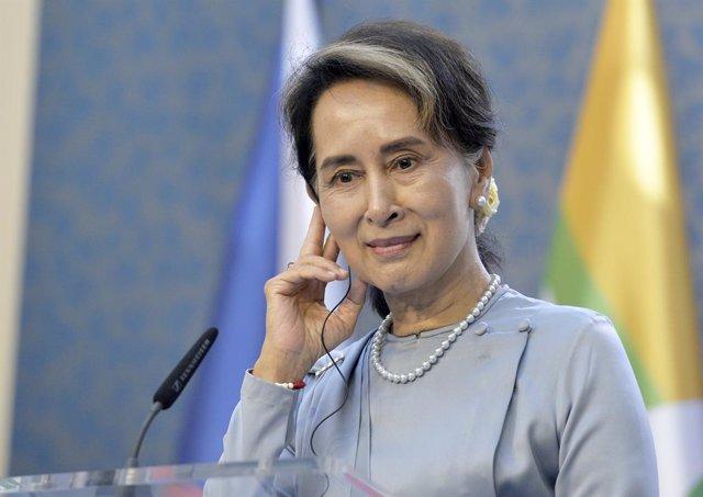 """Birmania.- Una relatora de la ONU pide a Suu Kyi que """"abra los ojos"""" y actúe ant"""