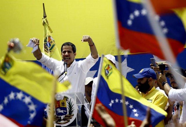 """Venezuela.- El Parlamento ratifica a Guaidó como """"presidente encargado"""" hasta la"""