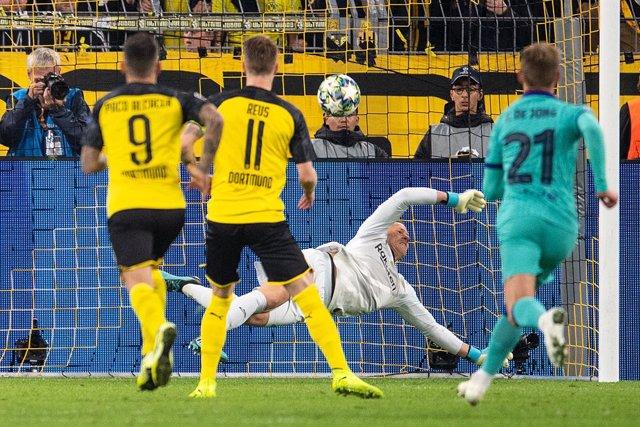 Fútbol/Champions.- Crónica del Borussia Dortmund - FC Barcelona, 0-0