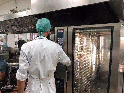 Finaliza la primera fase de actuaciones de mejora en la cocina del Hospital Virgen de la Victoria de Málaga