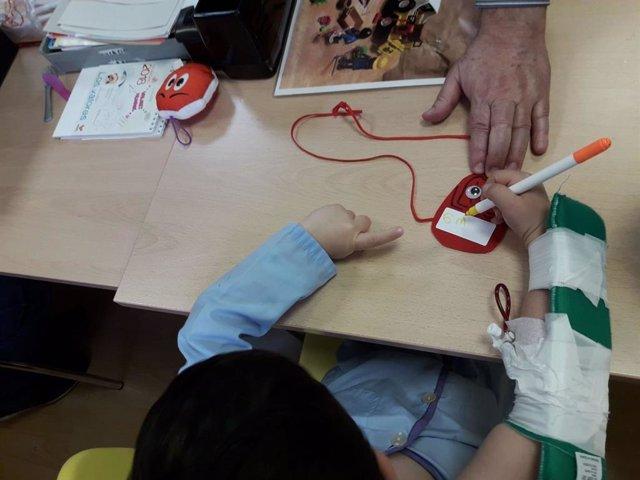 Empieza el curso en el aula hospitalaria del Macarena