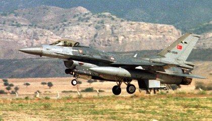 """Turquía """"neutraliza"""" a dos supuestos miembros del PKK en otro bombardeo en el norte de Irak"""