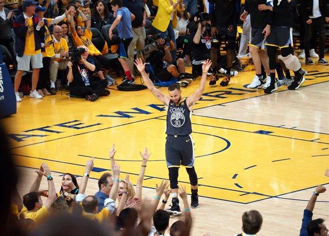 Baloncesto.- Stephen Curry se compromete a representar a EEUU en los Juegos de T