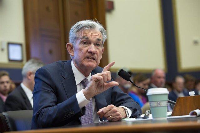 """EEUU.- Powell mantiene que la nueva bajada de tipos sigue siendo un """"ajuste de m"""