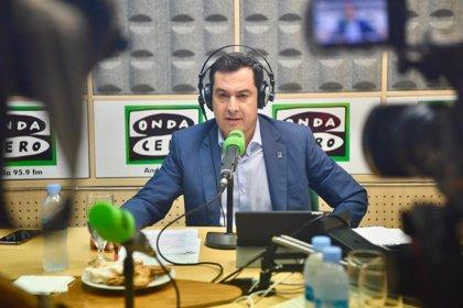 """Moreno ve """"desesperación"""" en la insistencia del PSOE-A por llevar al Parlamento el asunto del nombramiento de su hermana"""