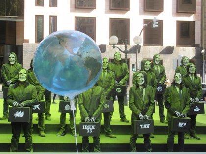 """Sortu reclama, con una performance ante la sede del PNV, """"soberanía"""" para luchar contra el cambio climático"""